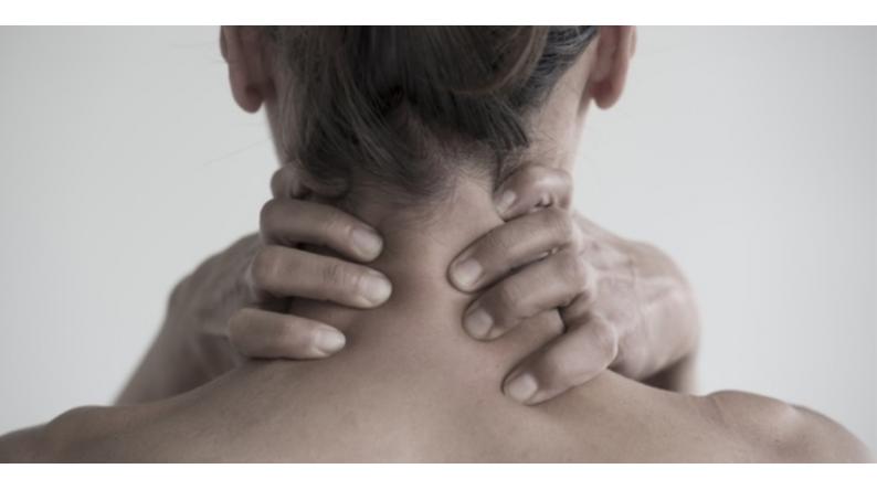 Freddo, umidità: come prevenire i dolori cervicali.