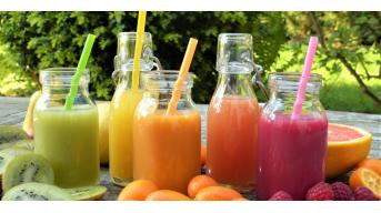 Succhi di frutta e verdura: perché è importante berli quotidianamente?